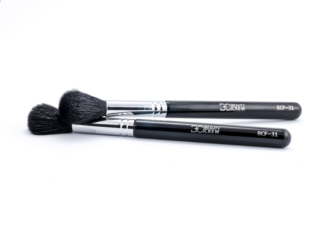 BCF-31 Highlighting and contouring brush- Beauty Crew
